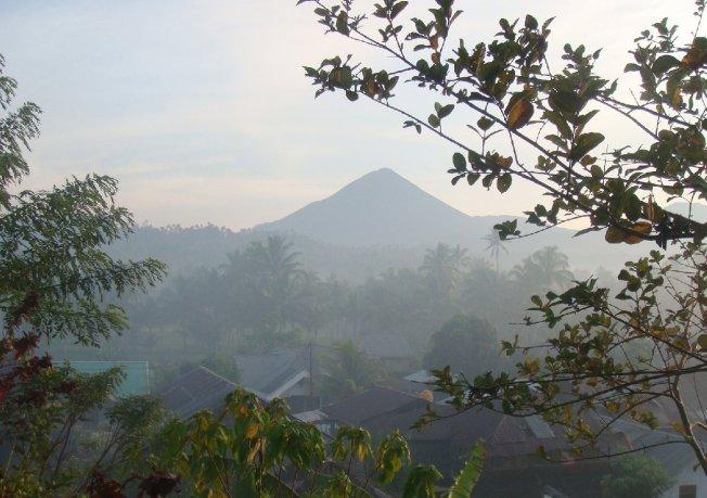 gunung berapi minahasa