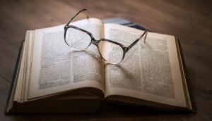 buku bacaan kacamata minus plus silinder lensa